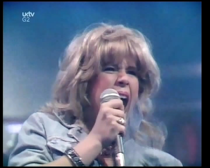 Samantha-Fox-Touch-Me-Top-Of-The-Pops-March-1986-UKTV-G2.avi_snapshot_01.55_2019.01.23_02.04.18.jpg