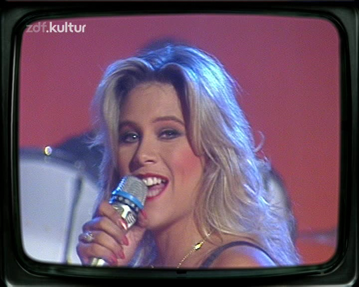 Samantha-Fox-Another-Woman-ZDF-Hitparade.mpg_snapshot_00.39_2019.01.29_20.34.08.jpg